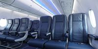 Boeing 737 MAX 7 (thumbnail 2)