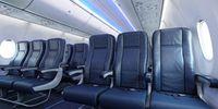 Boeing 737 MAX 9 (thumbnail 2)