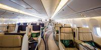 Boeing BBJ 777-200LR (thumbnail 2)